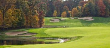 Campo de golfe no outono Imagem de Stock