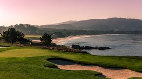 Campo de golfe de Pebble Beach, Monterey, Califórnia, EUA fotografia de stock