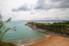 Campo de golfe surpreendente na costa dramática, Santander, Espanha Imagens de Stock Royalty Free