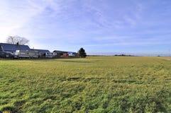 Campo de granja en el invierno foto de archivo libre de regalías