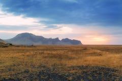 Campo de Islandia y la puesta del sol Fotografía de archivo