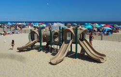Campo de jogos das crianças na praia do parque de Asbury Foto de Stock
