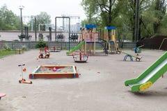 Campo de jogos exterior para crian?as foto de stock