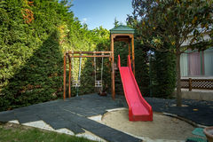 Campo de jogos vazio das crianças no parque Foto de Stock Royalty Free