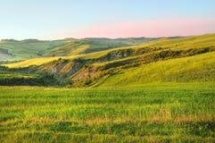 Campo de la colina en Toscana Fotos de archivo libres de regalías