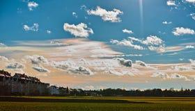 Campo de la irisación de la nube Foto de archivo libre de regalías