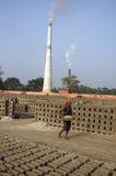 Campo de ladrillo en la Bengala-India del oeste Foto de archivo