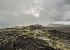 Campo de lava cozinhando imóvel enorme na área vulcânica de Krafla, área do lago Myvatn, Islândia do norte, Europa fotos de stock royalty free
