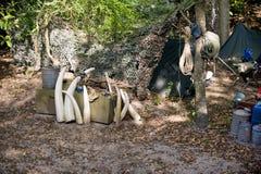 Campo de los cazadores furtivos en África Foto de archivo libre de regalías