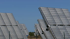 Campo de los paneles solares almacen de video