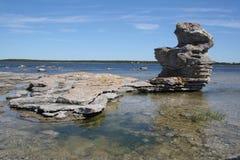 Campo de Rauk en la costa costa de Gotland Foto de archivo libre de regalías