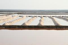 Campo de sal em Samut Sakhon, Tailândia Imagem de Stock Royalty Free