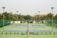 Campo de tênis - jogador de tênis Fotografia de Stock Royalty Free