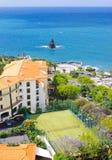 Campo de tênis na ilha de Madeira imagem de stock