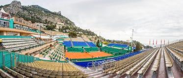 Campo de tenis de la arcilla preparado para los finales de Monte-Carlo Rolex Masters Imagenes de archivo
