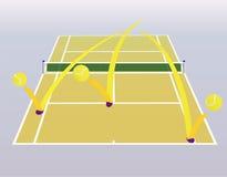 Campo de tenis y bolas. Fotos de archivo libres de regalías