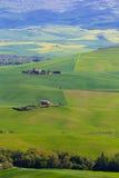 Campo de Toscana cerca de Pienza, Italia imagen de archivo