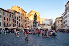 Campo dei Fiori στο ηλιοβασίλεμα με το μνημείο στο Giordano Bruno στην κεντρική Ρώμη Στοκ Φωτογραφίες