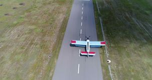Campo del aeroplano del abejón almacen de video