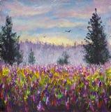 Campo del claro de la flor del paisaje púrpura de las flores Salida del sol Bosque de niebla en fondo 2 pájaros de vuelo Pintura  Fotografía de archivo
