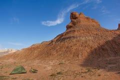 Campo del deserto con la bicicletta fotografia stock