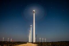 Campo del generador de viento cerca de Kavarna Bulgaria imagen de archivo libre de regalías