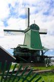 Campo del holandés del molino de viento fotografía de archivo