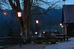 Campo del jardín de la cerveza en la noche Imagen de archivo