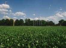 Campo del rugbi Vista típica de un campo del rugbi por la tarde imagenes de archivo