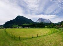 Campo dell'azienda agricola in Tirol Fotografia Stock Libera da Diritti