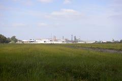 Campo di agricoltura, costruzione sbucciante della fabbrica del riso, affare Immagine Stock Libera da Diritti