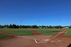 Campo di baseball del cielo aperto fotografia stock