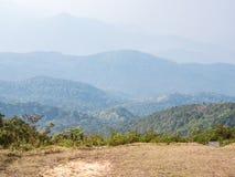 Campo di campeggio sulla cima dell'alta montagna Fotografia Stock Libera da Diritti