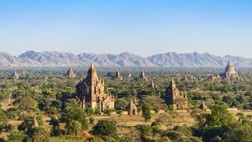 Campo di Chedi in Bagan Fotografia Stock