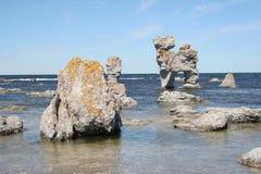 Campo di Rauk sulla linea costiera della Gotland Immagine Stock