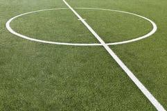 Campo do jogo de futebol com retrocesso de objetivo fotos de stock