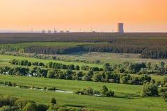 Campo do verde da poluição do central nuclear Imagem de Stock Royalty Free