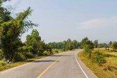 Campo e estrada, Tailândia fotos de stock