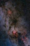 Campo e nebulosa de estrelas na maneira leitosa fotografia de stock