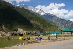 Campo e paesaggio dell'alpinista Immagine Stock Libera da Diritti
