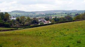 Campo en paisaje de la primavera en Inglaterra fotografía de archivo