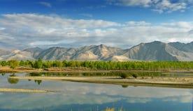 Campo en Tíbet Imagenes de archivo