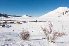 CAMPO FELICE, ITALIA - 14 de enero de 2017: estación de esquí famosa en Abruzos, en las montañas de Apennines, algunos kilómetros imagenes de archivo