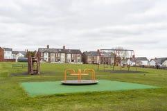 Campo giochi dei bambini in parco BRITANNICO fotografia stock libera da diritti