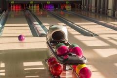 Campo giochi nel vicolo di bowling moderno del perno Fotografia Stock Libera da Diritti