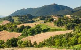Campo montanhoso de le Marche, Italy imagens de stock