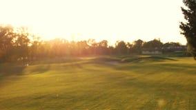 Campo obscuro do golfe vídeos de arquivo