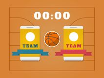 Campo, palla, tabellone segnapunti e smartphone di pallacanestro con i gruppi Fotografia Stock Libera da Diritti