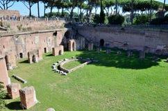 Campo per i giochi nel forum romano fotografia stock