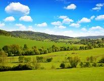 Campo rural perto da cidade Klatovy em República Checa imagens de stock royalty free